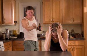 Что делать женщине, если муж алкоголик: советы психолога