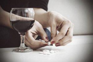 Совместимость и взаимодействие алкоголя и Макмирора