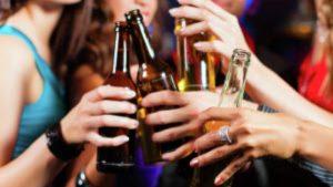 Почему люди часто пьют алкоголь