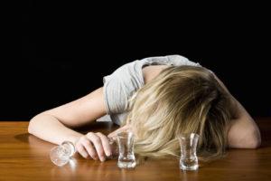 Как эффективно вылечить женский алкоголизм: основные методы