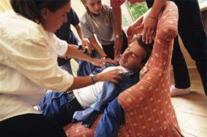 Потеря сознания после алкоголя: причины, помощь