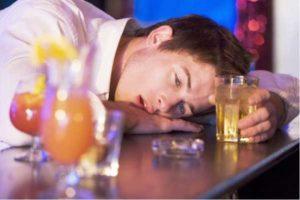 Как закодировать мужа от алкоголя: полезные советы