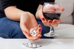 Алкоголь и снотворное: совместимость, последствия