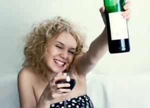 Что делать если жена алкоголичка, как поступить и как жить?