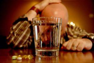 Можно ли пить алкоголь после инсульта: последствия и совместимость
