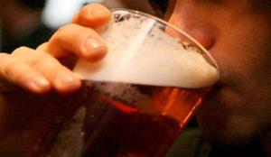 Как отучить мужа пить пиво?